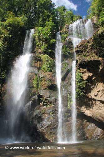 Mork Fa Waterfall www.world-of-waterfalls.com